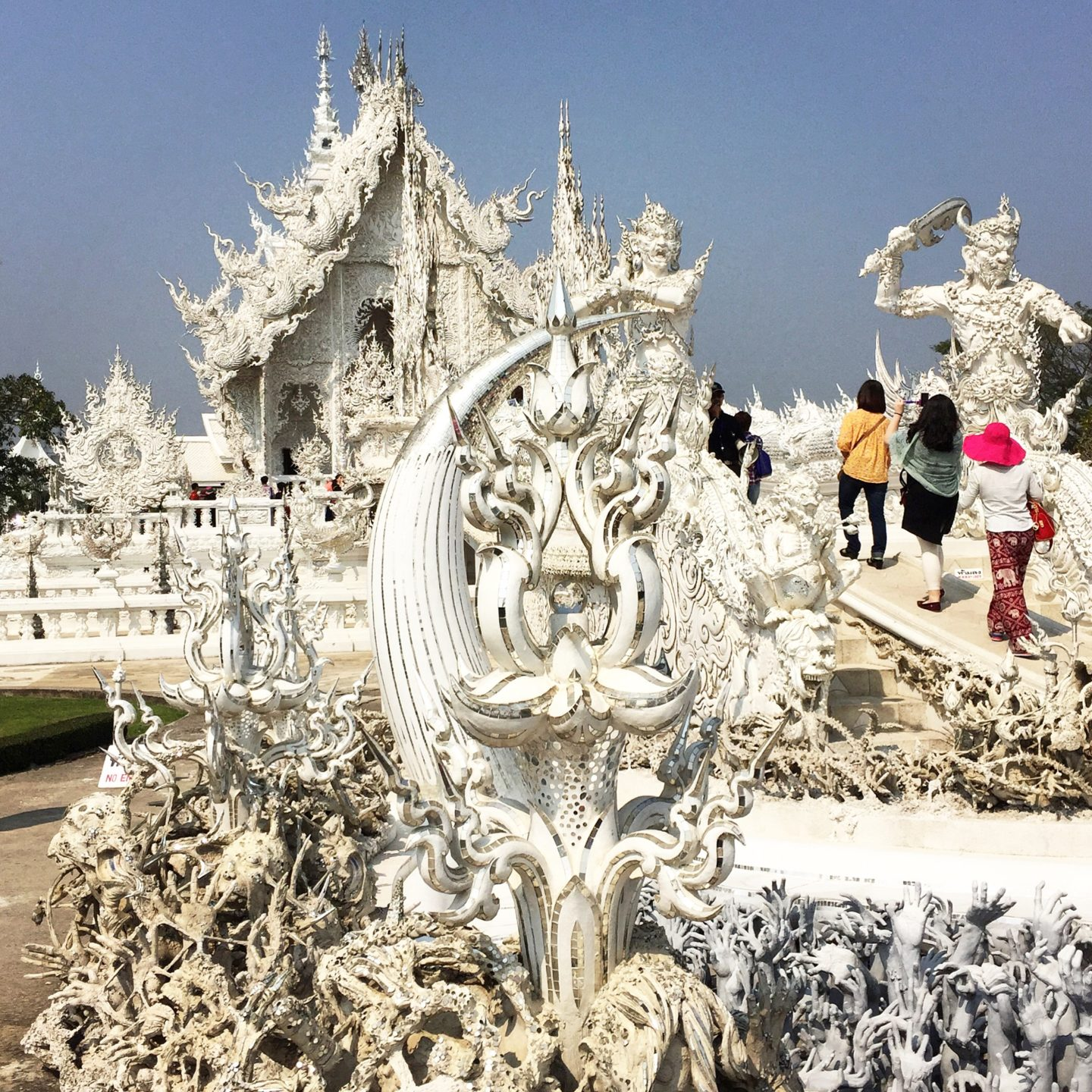 Chiang Rai: the White Temple & the Golden Triangle